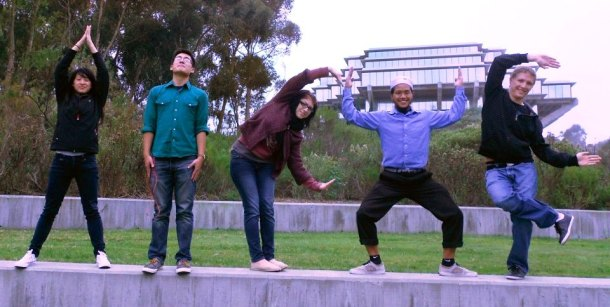 11-12-14 UCSD STUDENTS ON WALL